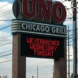 Photo taken at Uno Chicago Grill by Mike B. on 4/3/2013