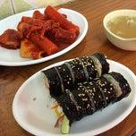 Photo taken at 신가네떡볶이 by Hye Ran S. on 8/6/2014