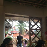Photo taken at Isdaan Floating Restaurant by Bhozz V. on 2/3/2013