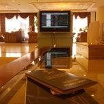 Photo taken at GVIP Lounge | الصالة التنفيذية by Abdulkareem A. on 6/10/2013