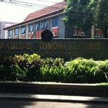 Photo taken at Fakultas Ekonomi Universitas Brawijaya by Alisia A. on 3/17/2013