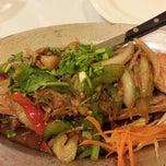 Photo taken at Mukda Thai Cuisine by Ar U. on 11/5/2013