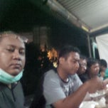 Photo taken at Warung Kucingan Pak Gik by Tony Hermanto T. on 11/17/2014