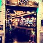 Foto tirada no(a) Foxy Bar por Sofia D. em 10/3/2013