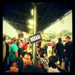 Photo taken at Stasiun Bekasi by bernadetha a. on 2/24/2013