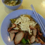 Photo taken at Chang Cheng Mee Wah (Coffeeshop) by N.D on 5/9/2013