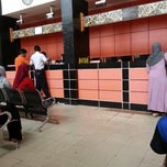 Photo taken at Kantor Pos Samarinda by siti rachmah w. on 3/18/2014
