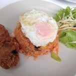 Photo taken at ร้านวิณ (Win) by Chalermchai S. on 1/30/2015