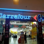 Photo taken at Carrefour by Yuwandi C. on 3/31/2013