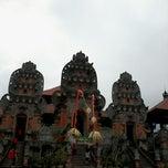 Photo taken at Panggung Terbuka Balai Budaya Gianyar by Eky Mayndra on 2/8/2014