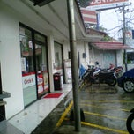 Photo taken at Circle K by Gede A. on 2/21/2013