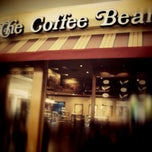 Photo taken at The Coffee Bean & Tea Leaf by ArtDuane on 12/3/2012