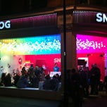 Photo taken at Snog Pure Frozen Yogurt by Peter S. on 1/21/2012