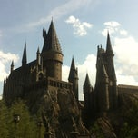 Photo taken at The Wizarding World Of Harry Potter - Hogsmeade by Fairy F. on 5/25/2013