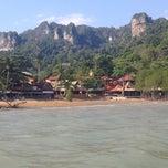 Photo taken at Railay Phutawan Resort by Ubbo O. on 2/9/2015