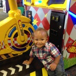 Photo taken at Chuck E. Cheese's by Kat W. on 11/1/2014