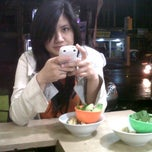 Photo taken at Bakso Gun by Yusak S. on 3/29/2013