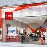 Photo taken at Boutique SFR PARIS 17 BOULEVARD POISSONNIERE by Nixdo on 1/29/2015