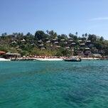 Photo taken at Phi Phi The Beach Resort (พีพีอันดามันบีชรีสอร์ท) by Guillaume A. on 1/28/2013