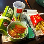 Photo taken at McDonald's by Mariza C. on 5/4/2013