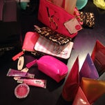 Photo taken at Victoria's Secret PINK by MuneQuiiTTaRoja V. on 9/15/2014