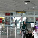 Photo taken at Arrival Hall by fadhil R. on 9/3/2014