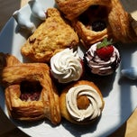 Photo taken at Alice Bakery & Confectionary by Michael A. on 7/31/2014