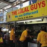 Photo taken at The Halal Guys by Jiwon P. on 6/22/2013