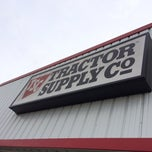 Photo taken at Tractor Supply Co by Juan B. on 12/30/2013