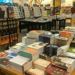 Photo taken at Barnes & Noble by Divine W. on 6/20/2013