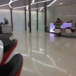 Photo taken at The Lounge (Virgin Australia) by Glenn H. on 10/21/2012