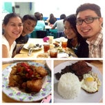 Photo taken at Shelby's Food Court Burgundy Tower by Kellyboy R. on 8/7/2014