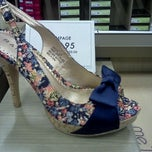 Photo taken at DSW Designer Shoe Warehouse by Lakisha J. on 5/27/2012