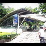 Photo taken at MRT พหลโยธิน (Phahon Yothin) PHA by Sitthiporn J. on 9/13/2012