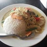 Photo taken at Newtown Thai by Byron L. on 4/19/2015