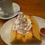 Photo taken at SHOTO CAFE (松濤カフェ) by かでしづ a. on 3/3/2015