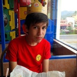 Photo taken at Burger King by Tere G. on 3/19/2015