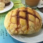 Photo taken at 香港鑫華茶餐廳 by rebekah H. on 4/26/2015