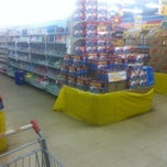 Photo taken at Supermercado Arco-íris by Roderick R. on 10/10/2013