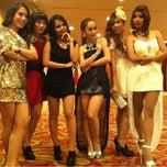 Photo taken at โรงแรม ดิเอมเมอรัลด์ by นางสาวสหวีวี่วี ม. on 12/13/2012