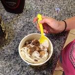 Photo taken at Tutti Frutti Frozen Yogurt by J R. on 12/1/2013
