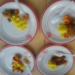 Photo taken at KFC by Berlianda Zsazsa L. on 10/18/2014