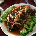 Photo taken at Garden Fresh Vegan Cuisine by Yuankai G. on 12/31/2012