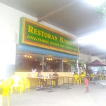 Photo taken at Restoran Hameed's by Areeve B. on 3/28/2013