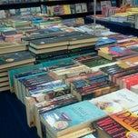 Photo taken at Harris Bookstore by Nolynn Bautista E. on 3/5/2015