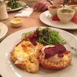 Photo taken at Le Pain Quotidien by Elena C. on 9/20/2013