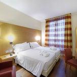 Foto scattata a Hotel Canada da Hotel Canada il 10/1/2013