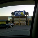 Photo taken at Maxi Bedford by Stephen R. on 4/18/2012