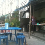 Photo taken at ร้านบัง by Suribee L. on 6/12/2012