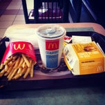 Photo taken at McDonald's by Felipe Fumarola R. on 10/1/2012